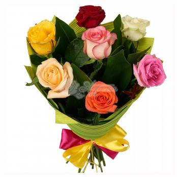 Букет из 7 Эквадорских роз в легкой упаковке