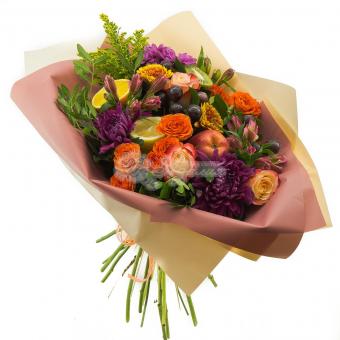 Букет оригинальный с фруктами и цветами