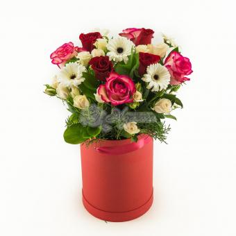 Композиция из роз, гермини  и розы кустовой